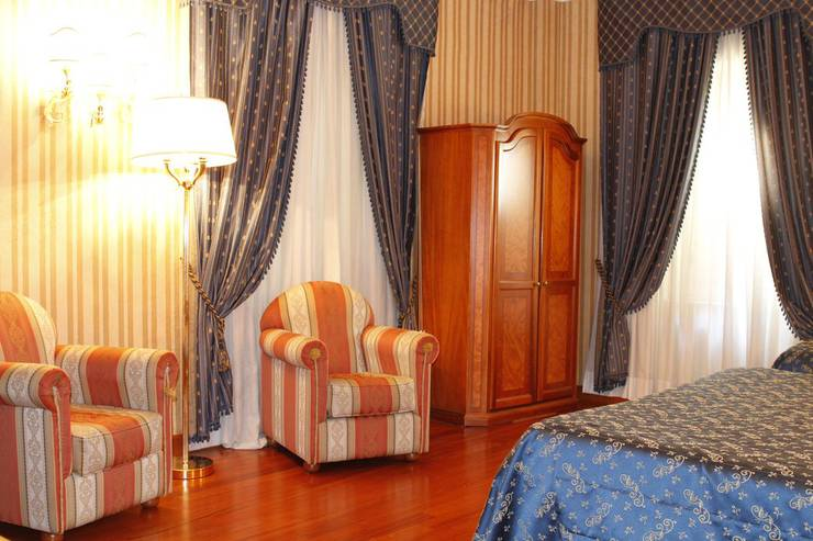 Standard double room for single use sistina hotel rome